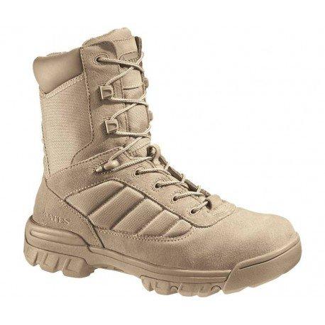 Un modelo de botas militares Bates