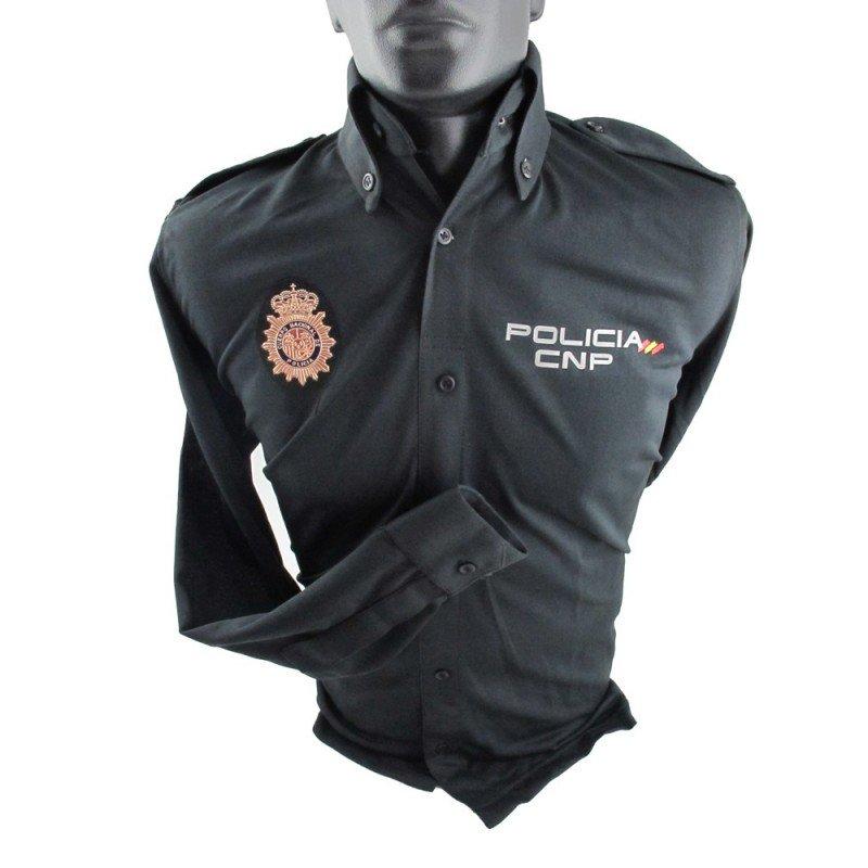 Camisa oficial del Cuerpo Nacional de Policía de manga larga e incluye el escudo identificativo. Un imprescindible del material policial