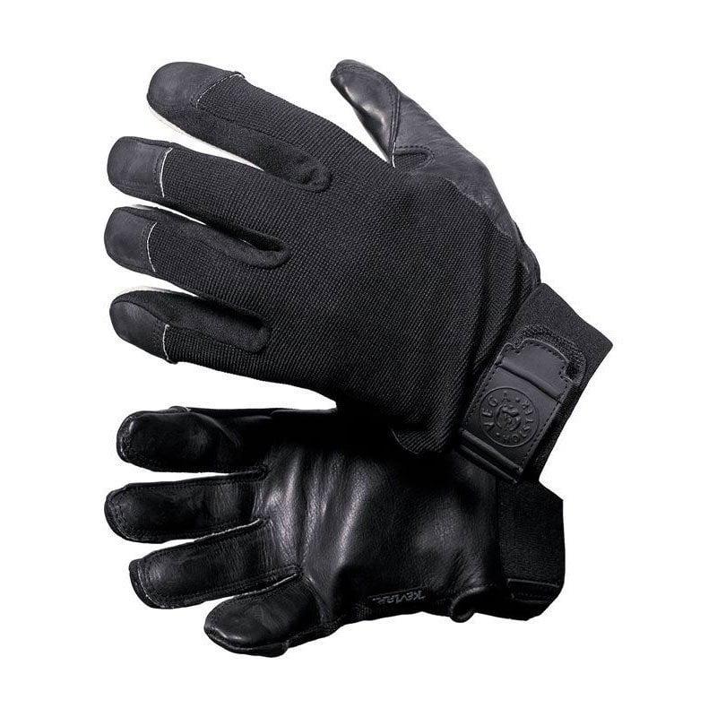 Unos guantes anticorte de la marca Vega